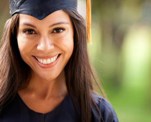 Cubre sin problemas los gastos de tu graduación