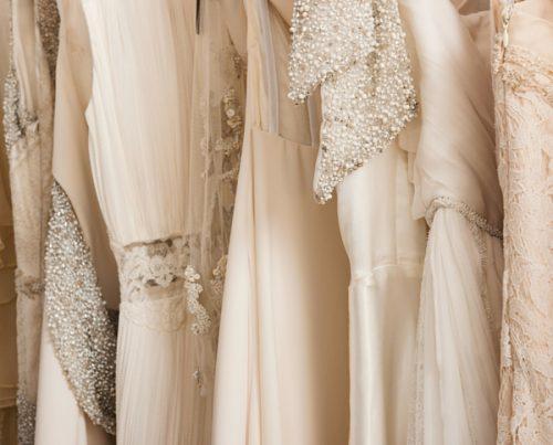 Cuanto debe costar un vestido de novia
