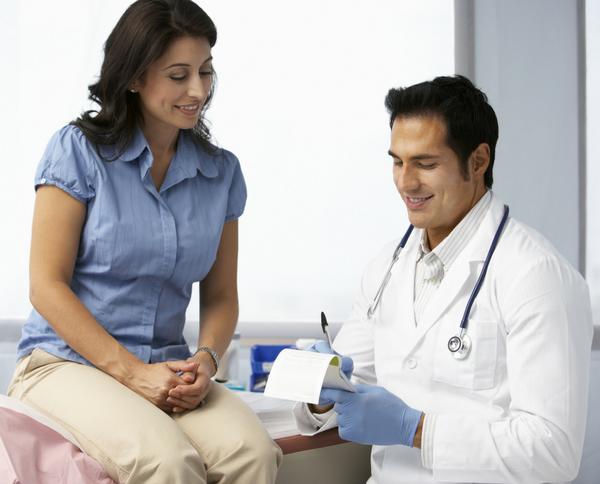 ¿Te conviene un seguro de gastos médicos menores o uno de mayores?